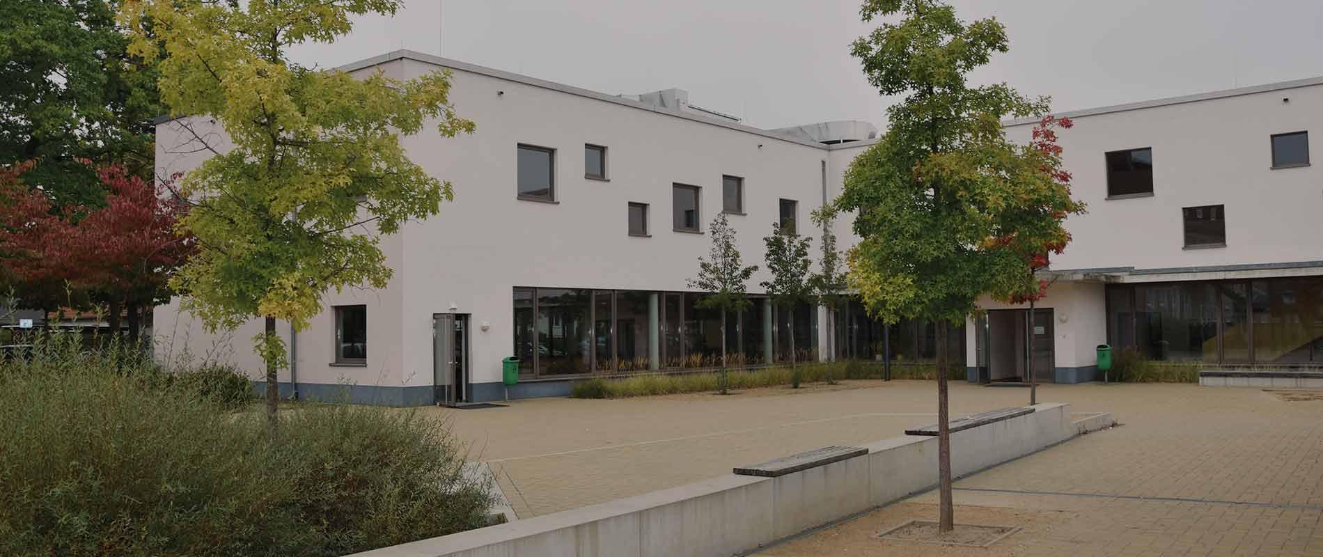 Gesamtschule Woltersdorf der FAWZ gGmbH_Header_Modernes Gebaude - idealer Raum zum Lernen_2