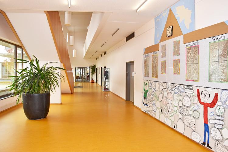 Gesamtschule Woltersdorf der FAWZ gGmbH_Schulgebaeude_EG_Galerie