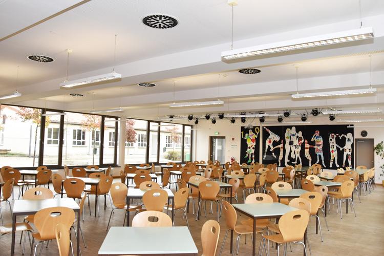 Gesamtschule Woltersdorf der FAWZ gGmbH_Schulgebaeude_EG_Mensa_vorn
