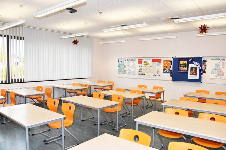 Gesamtschule Woltersdorf der FAWZ gGmbH_Schulgebaeude_OG_223_vorn rechts