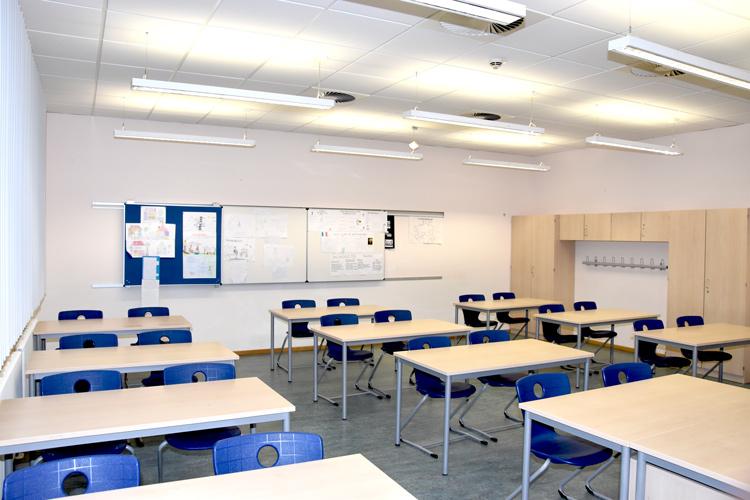 Gesamtschule Woltersdorf der FAWZ gGmbH_Schulgebaeude_EG_216_vorn links
